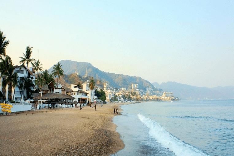 Playa Camarones Puerto Vallarta