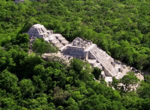 Zona Arqueologica Calakmul viajar por mexico