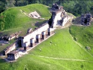 Zona Arueologica Comalcalco viajar por mexico